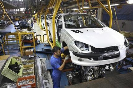 Iran's big market tempts European firms despite hazards