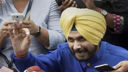 Nowhere Man: Sidhu left hanging after Kejriwal's blunt message