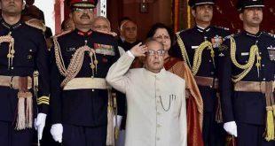 नहीं रहे पूर्व राष्ट्रपति प्रणब मुखर्जी : गृहमंत्री अमित शाह, राहुल गांधी समेत इन हस्तियों ने दी श्रद्धांजलि
